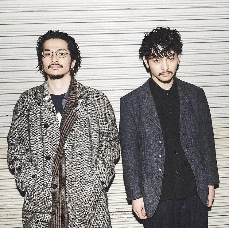 キングヌー常田の兄俊太郎(右)の画像