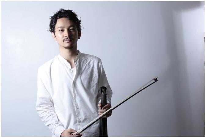 King Gnu常田の兄俊太郎がバイオリンを持っている画像